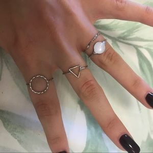Jewelry - Dainty silver ring